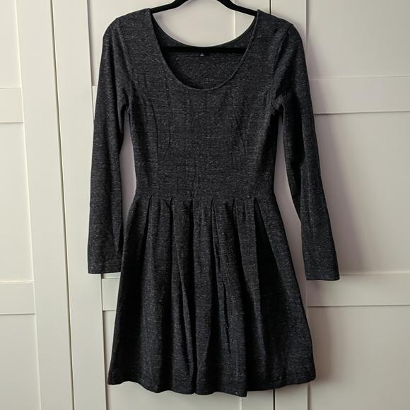 ❄️3/$25 TALULA Grey Pleated Skater Dress